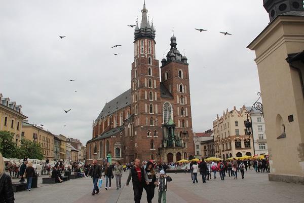 """אתרים מומלצים לביקור בעיר קרקוב- """"הבירה התרבותית"""" של פולין"""
